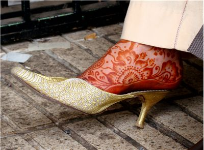 Picture Of Henna On A Womans Foot